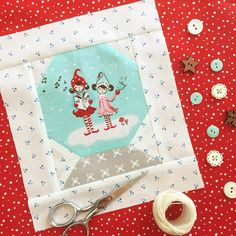 I made this sweet little snow globe block as a substitute block for my Quilty Christmas quilt. Those two little girls reminded me of my sweet nieces and I just had to include them! (Inspired by the snow globes in Tasha Noel's Market booth) Christmas Placemats, Christmas Sewing, Christmas Embroidery, Quilt Blocks Easy, Quilt Block Patterns, Christmas Globes, Snow Globes, Christmas Art, Winter Quilts