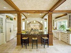 10 Kitchens Designed for Entertaining >> http://www.hgtvremodels.com/kitchens/kitchens-designed-for-entertaining/pictures/index.html?soc=hpp #hgtvholidays