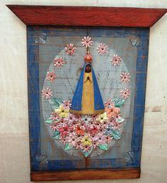 Painel Nossa Senhora Aparecida em madeira de demolição; Aparecida entalhada na…