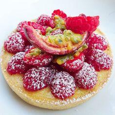 Tartelette aux fruits de la passion et framboises..... #menubistronomique #framboises #fruitsdelapassion #dessert #pâtisserie #pastry #faitmaison #Food #Foodista #PornFood #Cuisine #Yummy #Cooking