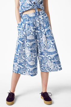 Monki Image 2 of Cargo culottes in White