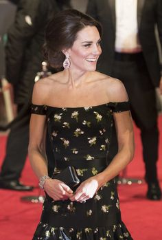 Kate Middleton Photos Photos - Catherine, Duchess of Cambridge attends. the 70th EE British Academy Film Awards (BAFTA) at Royal Albert Hall on February 12, 2017 in London, England. - EE British Academy Film Awards - Red Carpet Arrivals