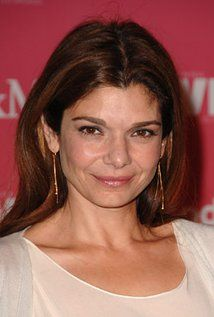 """Laura San Giacomo  Born: Laura A. San Giacomo November 14, 1962 in Hoboken, New Jersey, USA  Height: 5' 2"""" (1.57 m)"""