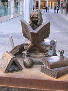 Čitateľka v Seville.