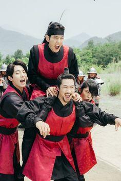 The princes ❤ Scarlet Heart Ryeo Funny, Scarlet Heart Ryeo Cast, Korean Celebrities, Korean Actors, Baekhyun Moon Lovers, Scarlet Heart Ryeo Wallpaper, Moon Lovers Drama, Kyungsoo, Chanyeol