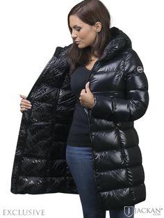 Ski Fashion, Winter Fashion, Sporty Fashion, Womens Fashion, Middle Eastern Fashion, Puffer Jackets, Women's Jackets, Down Puffer Coat, Winter Jackets Women