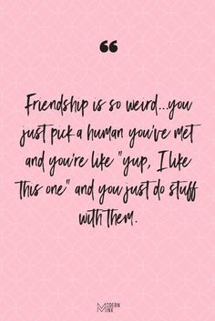 Short Funny Friendship Quotes and Sayings Are you and your friends the funniest girls around? If so, then you will love these funny friendship quotes that will have you and your BFFS laughing nonstop! Quotes Loyalty, Bff Quotes, Happy Quotes, Words Quotes, Funny Quotes, Funny Humor, Funny Friend Quotes, Quotes Women, Qoutes