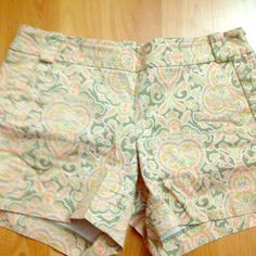 """Jcrew printed shorts! Stretch cotton Jcrew 3"""" shorts in pastel paisley print! Front and back pockets, side zipper, and belt loops! J. Crew Shorts"""