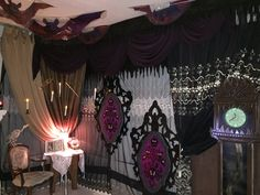 Magalie Sarnataro's props Haunted Mansion  Madame Leota vignette 13hour clock  Den 2015