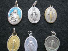6 Stück Vintage Medalien Italien,Religiöse Medalien ca.1970-80,Metal von AbrahamsTroedelShop auf Etsy