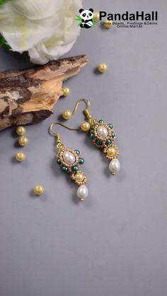 Handmade Beaded Jewelry, Beaded Jewelry Patterns, Earrings Handmade, Bead Jewellery, Bead Earrings, Green Earrings, Chain Jewelry, Navajo Jewelry, Jewelry Findings