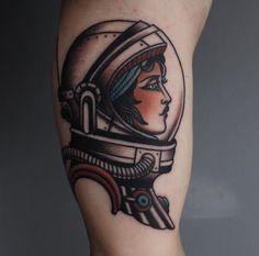 Woman astronaut gorgeous tattoo                                                                                                                                                                                 Más
