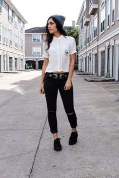 Cropped button up shirt outfit. therosegoldfox.com #TUK #ootd #fashion #creepers #buttonupshirt #croppedshirt #midrisejeans #blackjeans #blackcreepers #edgy #grunge #greybeanie #beanie #streetstyle #westernbelt
