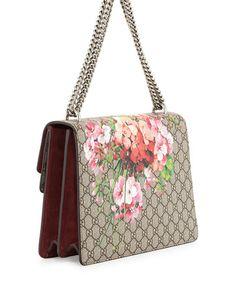 8c439e666962 GUCCI Dionysus Blooms Print Shoulder Bag