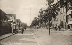 Ca. 1938. De Aleidastraat gezien vanaf de Burgemeester Knappertlaan in de richting van de Jan van Avennesstraat.