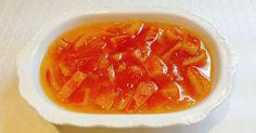 Malzemeler:  - 1 kilo portakal  - 1 buçuk kilo toz şeker  - 1 adet limon   Yapılışı:  - Portakalları güzelce yıkıyoruz.  - Kabuklarının ü...
