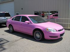 Description Pink cars Memphis TN 2013-07-28 004.jpg