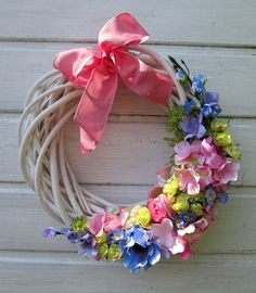 wiosenny wianek Grapevine Wreath, Grape Vines, Flower Arrangements, Floral Wreath, Weaving, Photo Wall, Easter, Wreaths, Spring