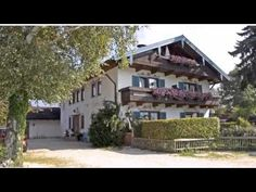 Gästehaus Gamsei - Grassau - Visit http://germanhotelstv.com/ga-stehaus-gamsei Gästehaus Gamsei is situated in Grassau 10 km from Chiemsee lake. The family-run guest house offers an outdoor pool a terrace and a garden. -http://youtu.be/B__pVK3M_sw