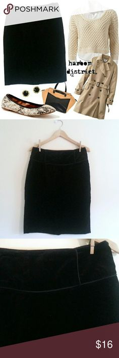 """(230) Black Velvet Straight Skirt - Size L Beautiful, chic basic in velvety, touchable fabric. Piping details. Great for work or play - classy and well-made. So easy to wear! Waist: 31"""", hip: 41"""", length: 23.5"""", label: twenty one, size: large, materials: cotton. twenty one Skirts Pencil"""