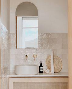 Bad Inspiration, Bathroom Inspiration, Neutral Bathroom, Colorful Bathroom, White Bathroom, Paris Bathroom, Minimal Bathroom, Modern Bathroom, Bathroom Renos