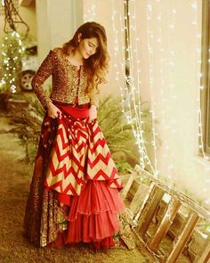 Unique Bridal Lehenga designs that is every Bride's pick in Indian Wedding Gowns, Indian Gowns Dresses, Indian Bridal Fashion, Pakistani Wedding Dresses, Choli Designs, Lehenga Designs, Indian Lehenga, Indian Designer Outfits, Indian Outfits