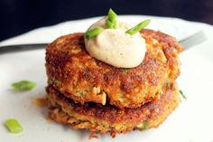 Salmon Cakes with Red Pepper Aioli Sauce