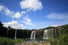 東洋のナイアガラ!幅120mの大滝
