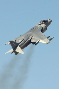 McDonnell Douglas AV-8B Harrier II Military Jets, Military Aircraft, Modern Fighter Jets, Plane Photography, Fixed Wing Aircraft, Close Air Support, Air Fighter, Aircraft Design, Jet Plane