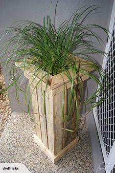 Modern and Elegant pallet Vertical Wall Planter Pots Ideas