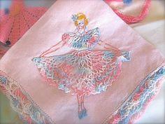 The Queen Of Re: Vintage Handkerchiefs Vintage Handkerchiefs, Vintage Embroidery, Vintage Crochet, Embroidery Ideas, Linens And Lace, Vintage Crafts, Vintage Textiles, Vintage Love, Tatting