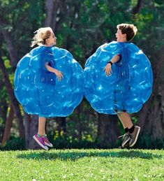 Inflatable bubble wrap bouncy balls