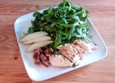 Arugula, chicken, pear and fig salad with apple spicedressing