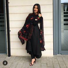 Best Trendy Outfits Part 36 Afghan Clothes, Afghan Dresses, Pakistani Dress Design, Pakistani Outfits, Dress Indian Style, Indian Dresses, Ethnic Outfits, Indian Outfits, Trendy Outfits