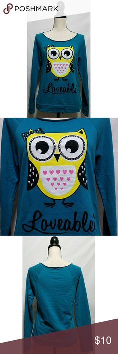 """Papaya Teal Loveable Owl Sweatshirt Junior's teal owl sweatshirt from Papaya, size small. There is one small hole on the back where the tag is stitched on. It is in otherwise  excellent used condition with no stains or other tears, rips or holes that I can see.  100% cotton   Chest: 36"""" Armpit to armpit: 18"""" Shoulder to hem: 23.5"""" Armpit to hem: 13""""  All items come from a smoke and pet free home. Papaya Tops Sweatshirts & Hoodies"""