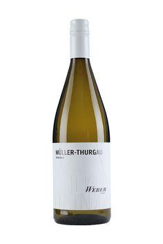 Weingut Weber   MÜLLER-THURGAU 1 LITER trocken   Ettenheimer Kaiserberg »UNKOMPLIZIERT« Eignet sich super für gemütliche Stunden oder eine fröhliche Runde – unkompliziert und unbeschwert. Der Müller-Thurgau verwöhnt geschmacklich mit viel Schmelz.  4,00 €  #Weingut #Weber #Wein #Müller #trocken #Qualitätswein #Design #Architektur #packaging #wine
