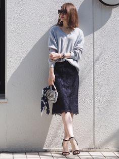 春らしく華やか♡カジュアルもキレイめもOKなレースタイトスカートが使える! - LOCARI(ロカリ)