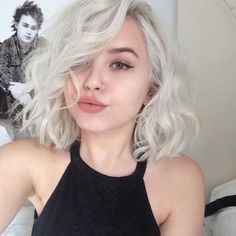 Light ash blonde hair color (Caroline Delaney)