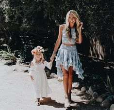 Mom daughter dress up hold hands baby family Savannah Soutas, Cole And Savannah, Sav And Cole, Everleigh Rose, Summer Outfits, Cute Outfits, Boho Outfits, Cute Family, Family Goals