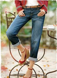 The Boyfriend Jeans have a relaxed fit, with rolled cuffs and five-pocket styling; cotton (98%) and elastane (2%).