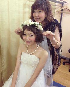 muratasaki/©︎ むらたさきさんはInstagramを利用しています:「🙈🙈♡ . せっかくなので、、、つづきの1枚♡ . . 結婚式の髪型はこんな感じでした〜(′v`)>✨ . ショートバング × 耳下くらいの短めのボブ に @emoease でオーダーした プリザーブドフラワーの花冠をつけて🌼 ↑ ブーケ、ブートニア、ネックレス、ピアスなど…」 Makeup, Girls, Hair, Wedding, Instagram, Toddler Girls, Casamento, Make Up, Daughters