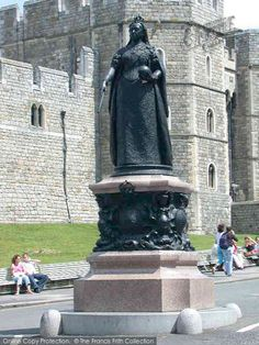 Windsor, Queen Victoria Statue 2004. #windsorcastle #queenvictoria #francisfrith