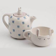 Cup & teapot