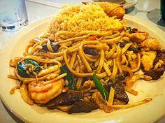 ㄟ( ・ө・ )ㄏRoyal Chinese House ㄟ( ・ө・ )ㄏ  #Dinner #Chinese cuisine #Noodles #Fried Rice #egg rolls #Soft Drinks (´・ω::.(´・ω::.(´・ω::.(´・ω::.