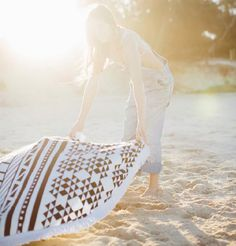 THE BEACH PEOPLE ROUNDIE TOWEL | THE STYLE FILES