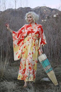 Vintage 1920's Kimono / 20s Silk Kimono / Floral Print Kimono