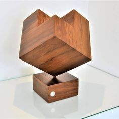Via @jaquepizzatto -  A definição de equilíbrio é harmonia, estabilidade, solidez... Escultura Equilíbrio @leonardobuenoarte  #art #arte #arquitetura #brasil #casa #decor #decoracao #design #designerdeinteriores #designer #escultura #home #house #leonardobueno #leonardobuenoarte #leonardobuenodesign #madeira #wood #woodart Floating Nightstand, Shelves, Instagram, House, Furniture, Design, Home Decor, Stability, Wood
