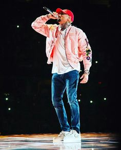When we do it all nightWe can do it all nightGirl, I'ma give it to you all night🎶 teambreezy chrisbrown Chris Brown Fotos, Chris Brown Art, Chris Brown Style, Breezy Chris Brown, Chris Brown Photoshoot, Chris Brown Outfits, Chris Brown Fashion, Chris Brown Wallpaper, Fashion 2020