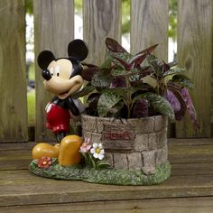 Mickey Mouse Wishing Well Planter