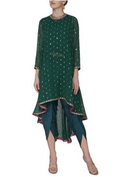 Vvani by Vani Vats Emerald green asymmetrical embroidered kurta with dhoti pants available only at Pernia's Pop Up Shop. Pakistani Outfits, Indian Outfits, Indian Designer Suits, Designer Ethnic Wear, Hippy Chic, Kurta Designs, Boho, Indian Dresses, Dress Collection